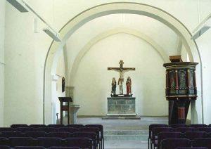 Kirchenschiff mit Chor